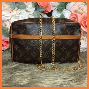 Louis Vuitton Authentic Compiegne 23 Clutch